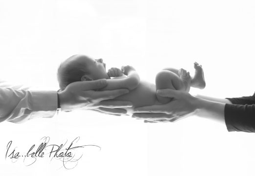 photo bebe mains parents